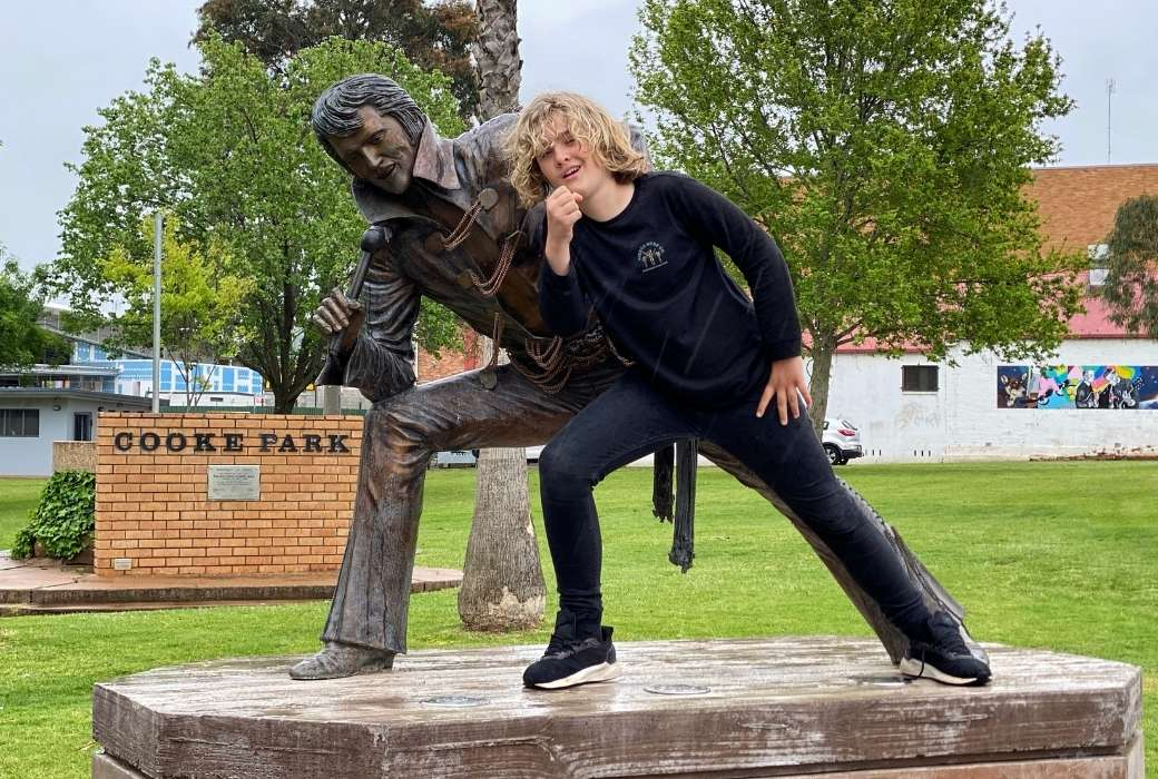 Catching up with the King in Parkes © Aleney de Winter