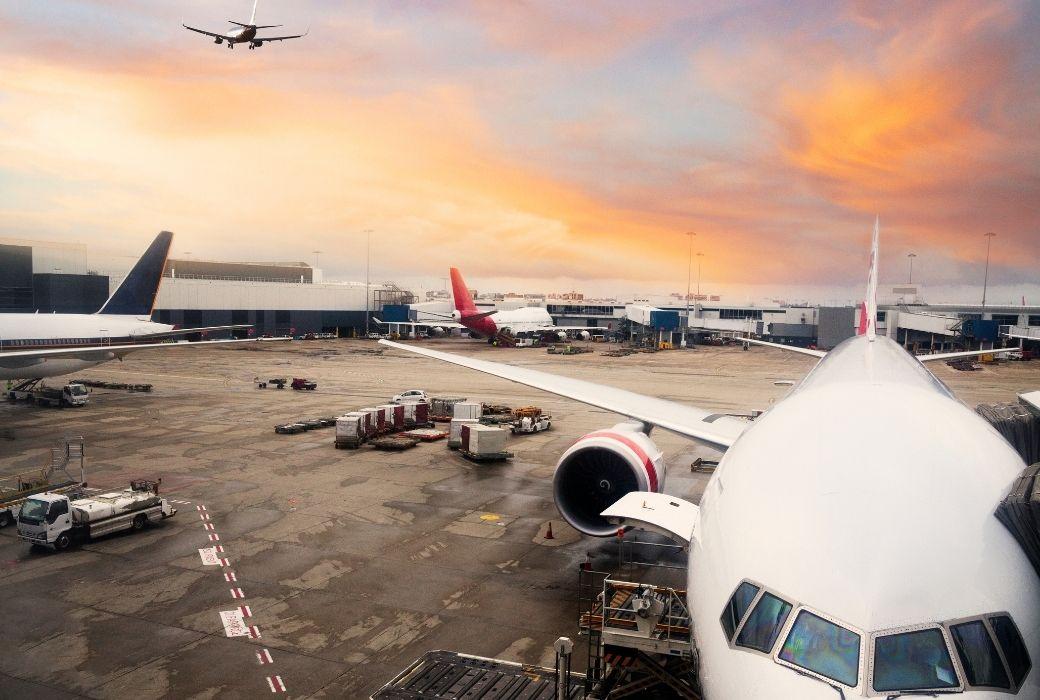 Qantas offers COVID travel insurance