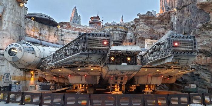 Star Wars: Galaxy's Edge Millenium Falcon