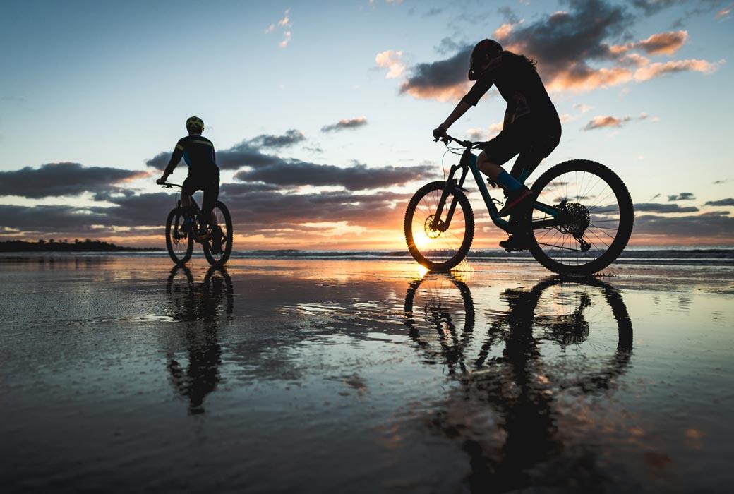 Sunrise bike along Mission Beach